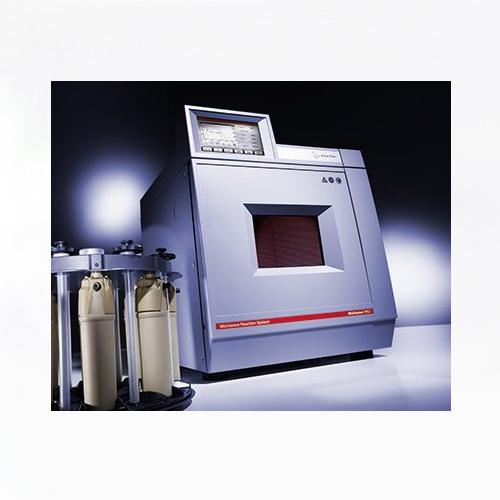 sistema de reacción por microondas Equilabo